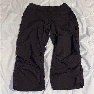 🍋LULULEMON CROP PANTS